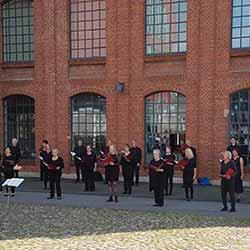 Mendelssohnchor Hamburg vor dem Museum für Arbeit in Barmbek